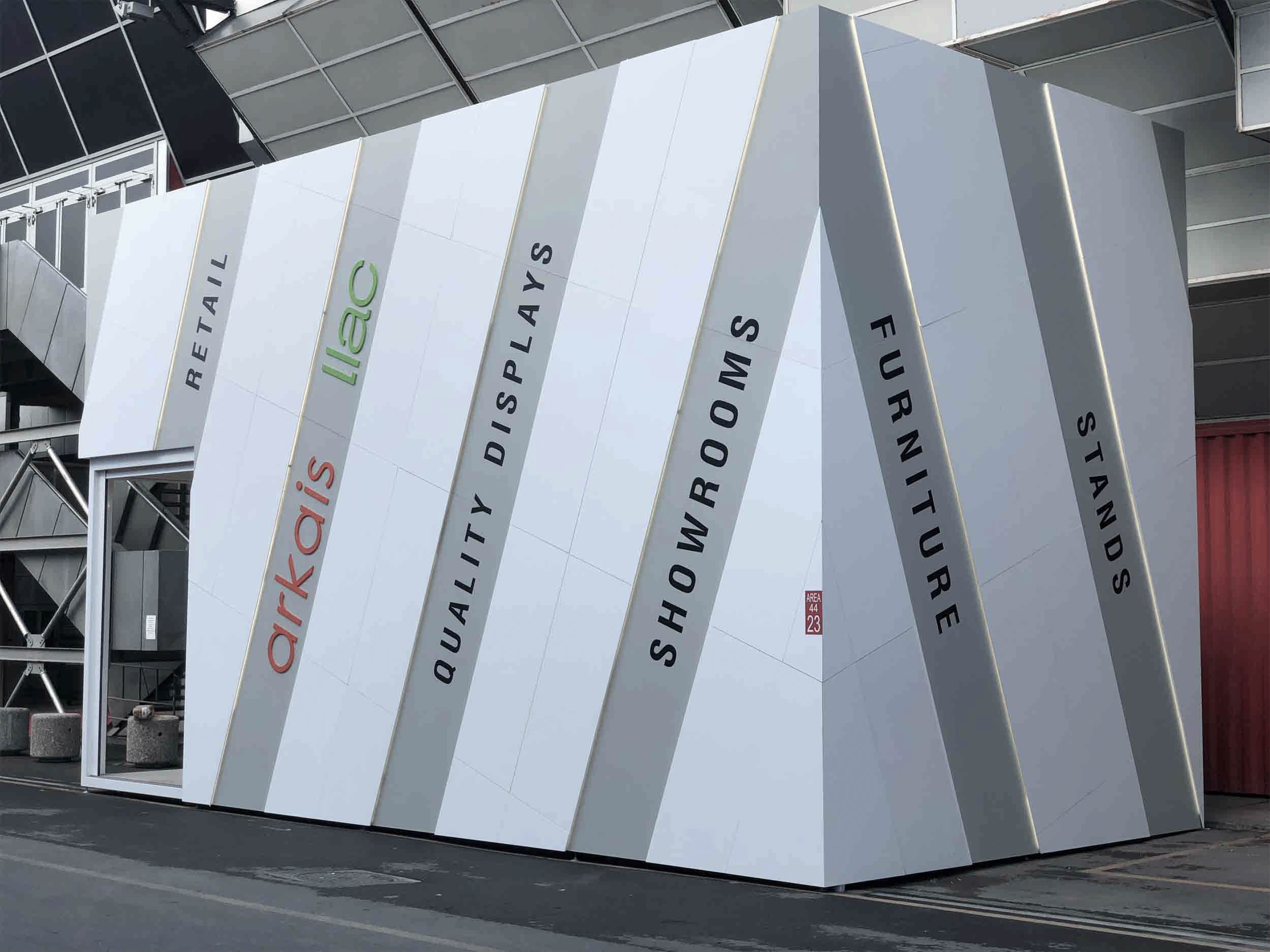 Arkais-Llac and its ceramic exhibitors at the forefront in Cersaie